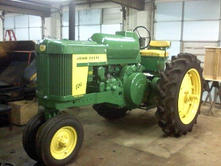 Click image for larger version  Name:dads tractor.jpg Views:48 Size:63.6 KB ID:35989